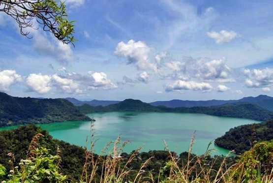 Danau Sano Nggoang, Flores, nusa tenggara timur