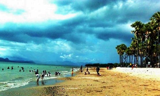 Pantai Lasiana, Kupang, NTT. eloratour