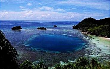 pulau-salawati-raja-ampat-papua-eloratour