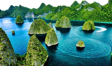 pulau-wayag-raja-ampat-papua-eloratour