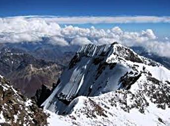 puncak-jaya-wijaya-cartenz-pyramid-eloratour