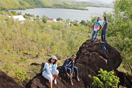 situ-megalitikum-doyo-papua-eloratour
