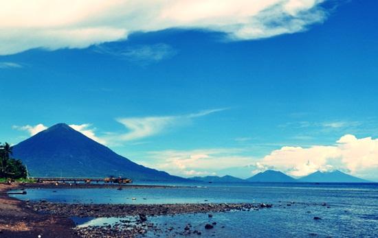 Pantai kastela di provinsi Maluku Utara