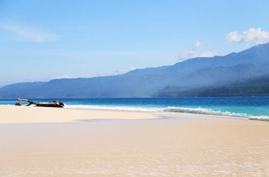 Pantai Pulau Pisang yang indah menawan