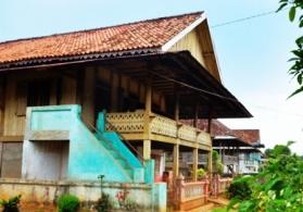 rumah-penduduk-desa-wana-lampung-timur