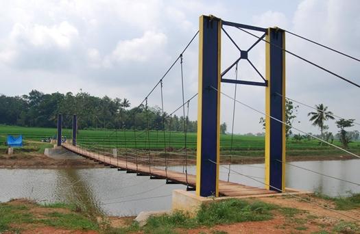 jembatan di Waduk Dam Raman