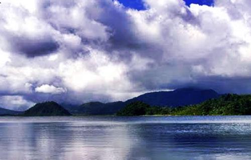 danau mooat di sulawesi utara