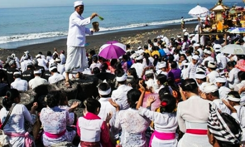 upacara melasti blog wisata indonesia