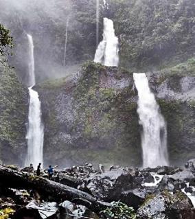 curug-sembilan-bengkulu-blog-wisata-indonesia