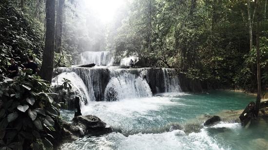air-terjun-piala-kabupaten-banggai-provinsi-sulawesi-tengah