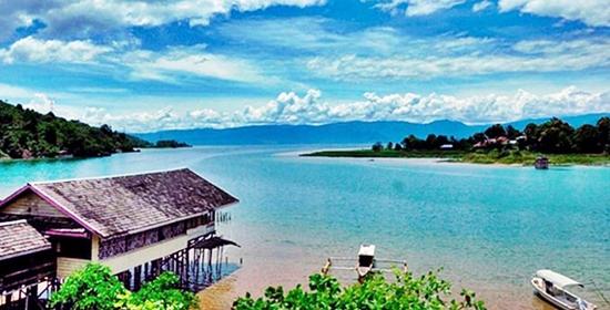 danau-poso-kabupaten-poso-provinsi-sulawesi-tengah