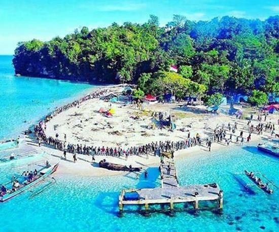 pulau-busak-kabupaten-buol-sulawesi-tengah