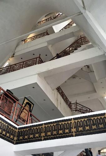 tangga-menara-siger-tempat-wisata-di-lampung