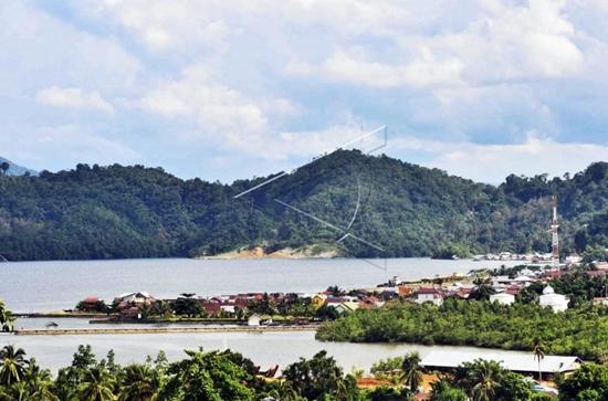teluk-tomori-kabupaten-morowali-utara-sulawesi-tengah